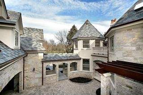 511 Courtyard Stonework